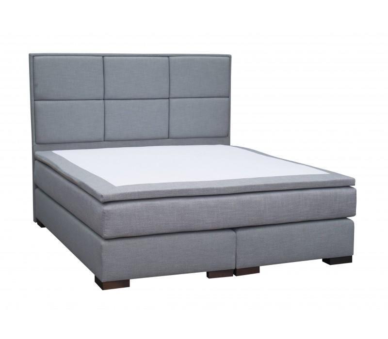Двухспальная кровать с матрасом Royal