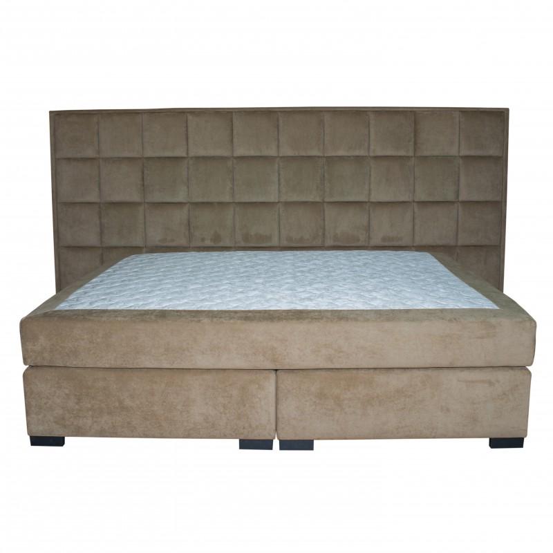 Мягкая двухспальная кровать с матрасом Continental XXXL